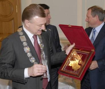 Губернатору Рязанской области понравился главный знак и он решил его оставить себе на память